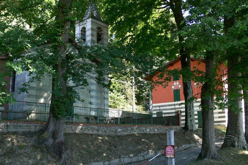 Cappella e casa dei Morelli Melogno